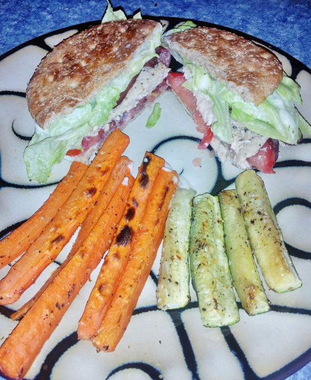 Turkey BLT & Veggie Sticks