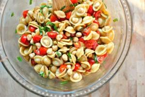 Caprese-Pasta-Salad-ll-www_SimplyScratch_com_-620x415